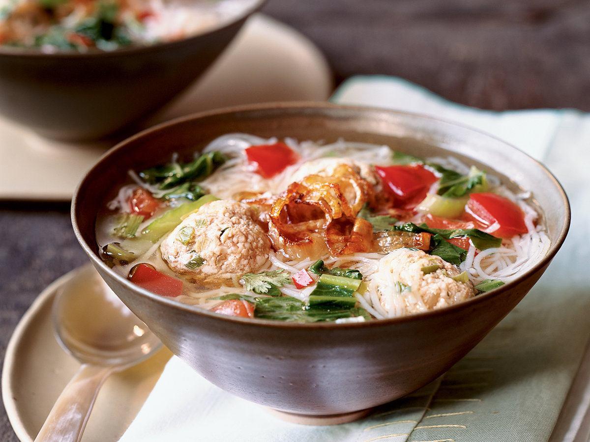 Суп из филе индейки с вермишелью